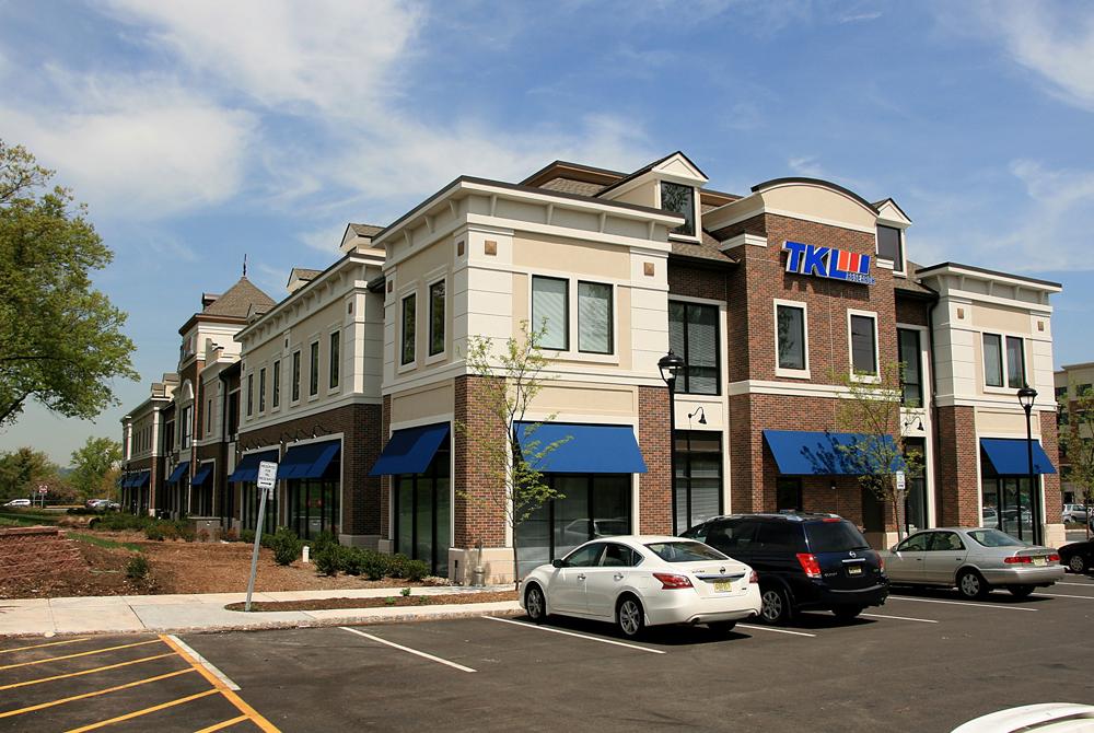 The-Promenade-Shopping-Center-Building-3